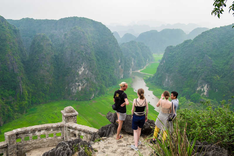 Hoa Lu- Tam Coc - Mua Cave - Luxury 1 Day